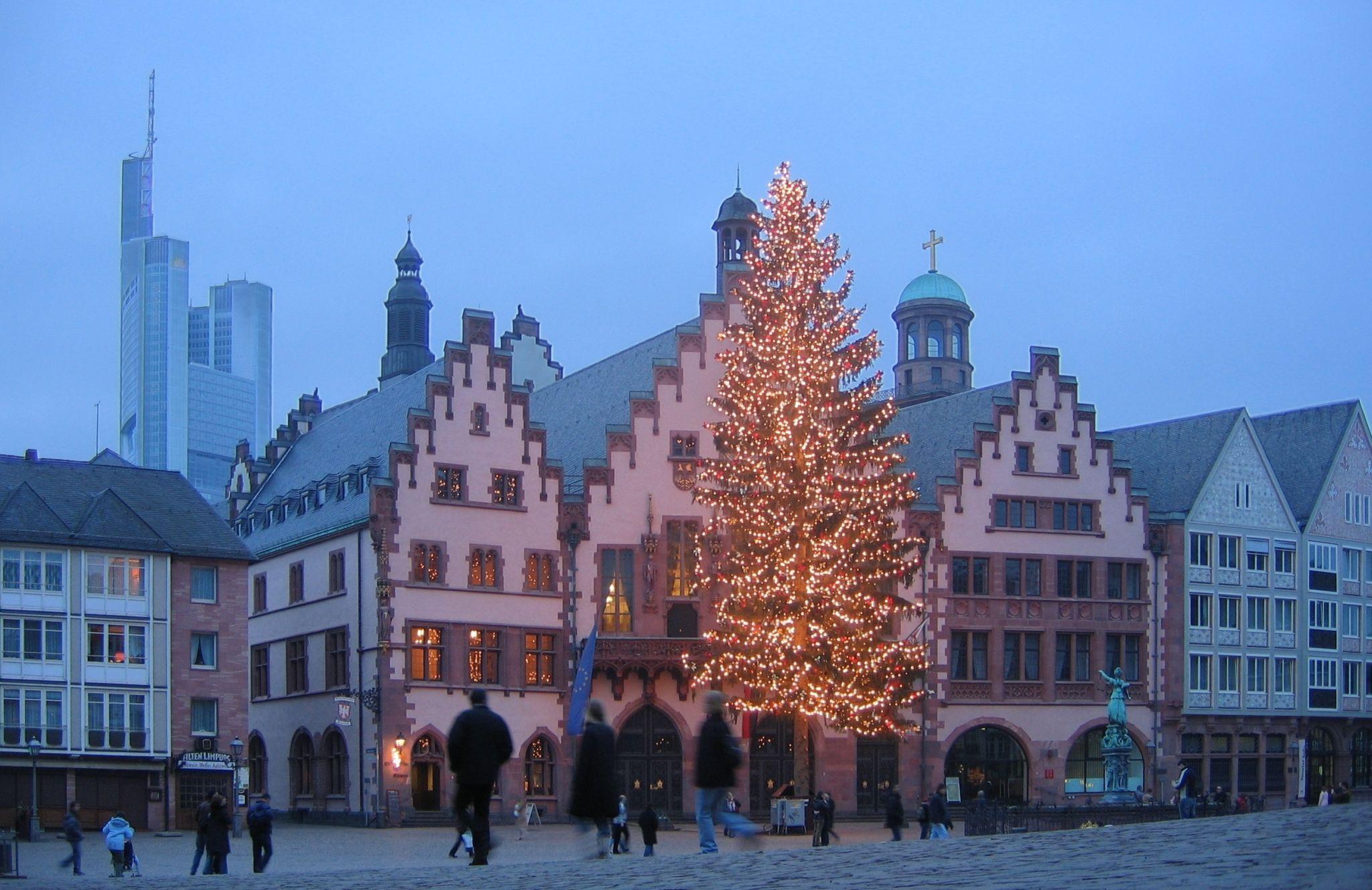 Weihnachtsbaum Frankfurt.Strassen Plätze In Frankfurt